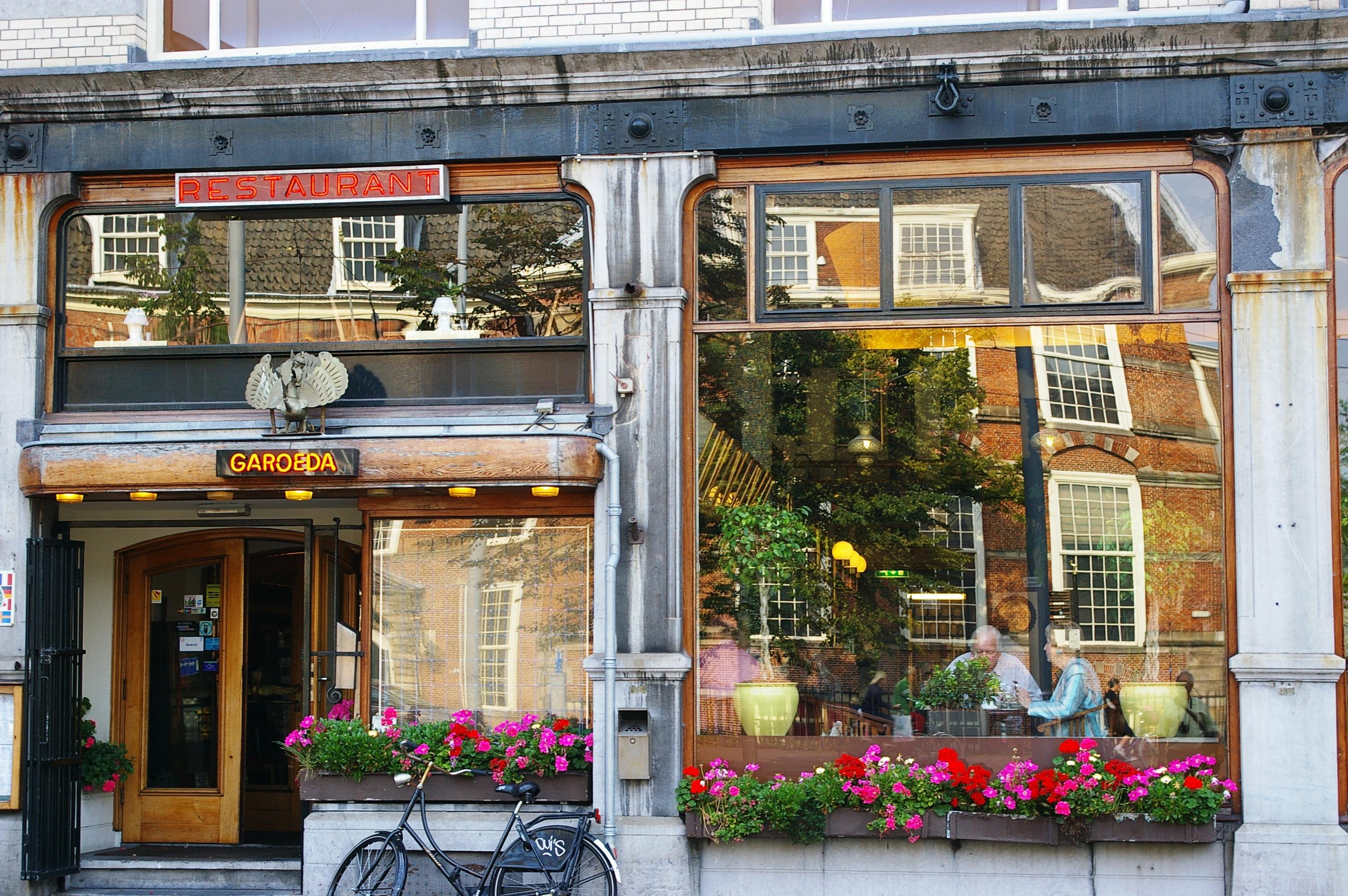 Lekker-indisch-eten-in-Den-Haag2