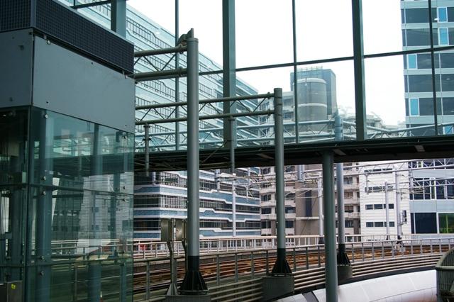 Modern-openbaar-vervoer-Den-Haag